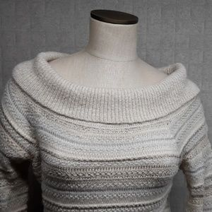 Sweaters - White House Black Market Sweater - EUC